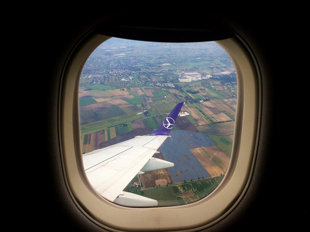 Po dlhej dobe som letela ako pasažier. Takýto parádny výhľad som mala počas klesania na letisko vo Varšave